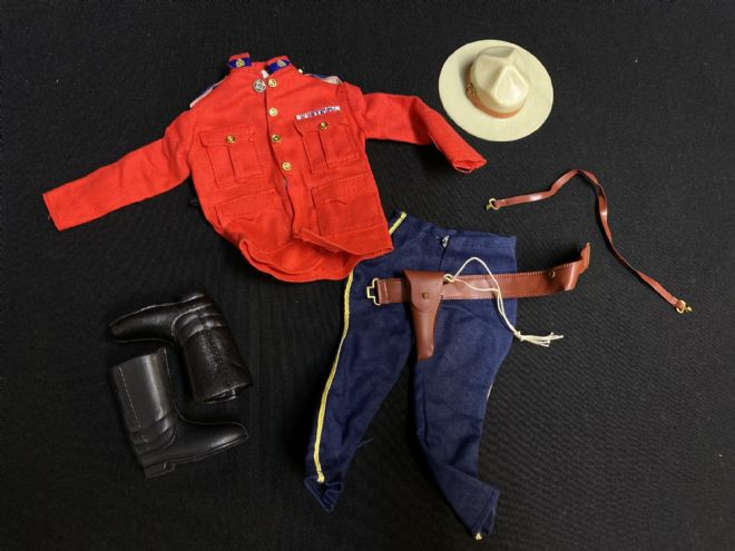 ACTION MAN  CANADIAN MOUNTED POLICE UNIFORM - NICE CONDITION. (Ref1)